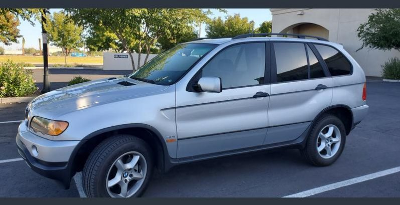 Cristina in San Tan Valley Just Got $3150 for a 2001 BMW X5 3.0i