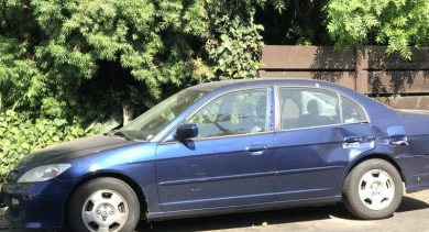 Brennen in Mesa Just Got $1200 for a 2005 Honda Civic Hybrid